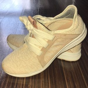 Adidas Bounce Edge Lux shoes